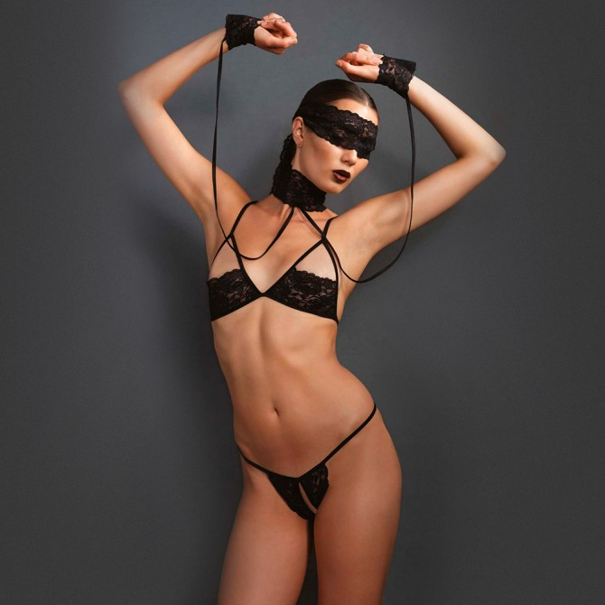 KINK SET WITH BLINDFOLD AND CHOKER BLACK